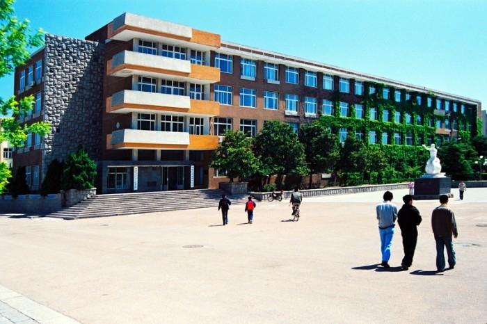 青岛科技大学 - 实验楼