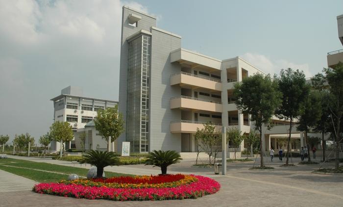 聊城大学东昌学院附近宾馆