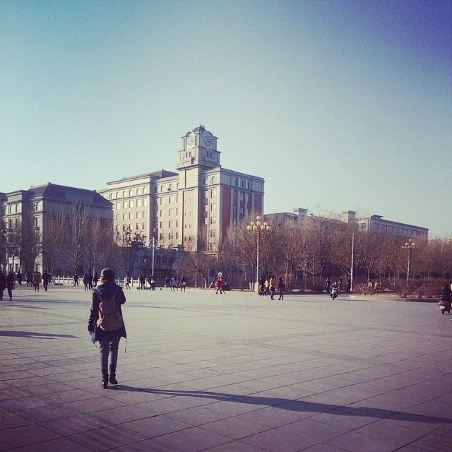 渤海大学 广场