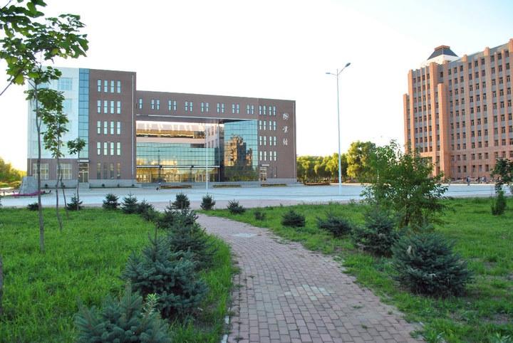 校园风光_哈尔滨广厦学院招生网