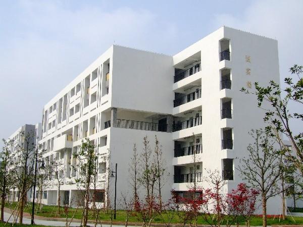 校园风光_扬州中瑞酒店职业学院招生网_优志愿