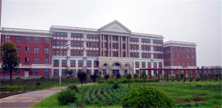 鹤壁汽车工程职业学院 办公楼