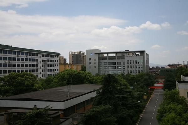 湖南安全技术职业学院 图书馆