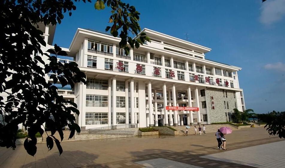 校园风光_琼台师范学院招生网