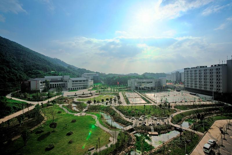 校园风光_重庆大学城市科技学院招生网