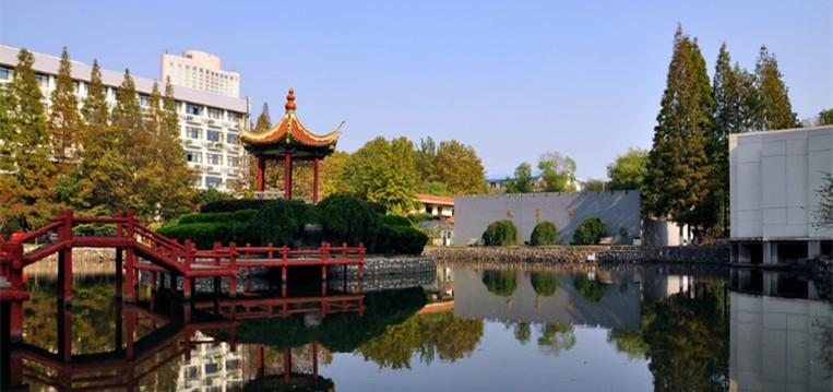 南京航空航天大学 湖心亭