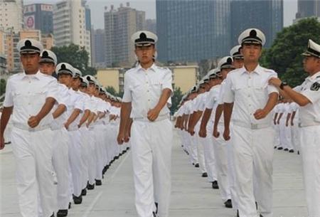 2017年海军首招女飞行学员 招飞工作全面启动