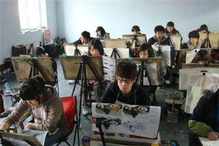 关于区外高校在内蒙古实施美术类校考考点的紧急通知
