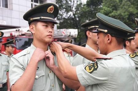 陕西:本科生义务兵 两年可获军地补助18万元