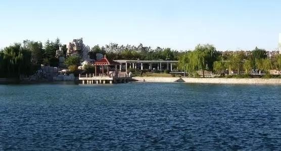 近年已与胶州市人民政府共建青岛大学胶州校区.