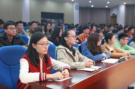 教育部:86.6%受访大学生喜欢上思政课