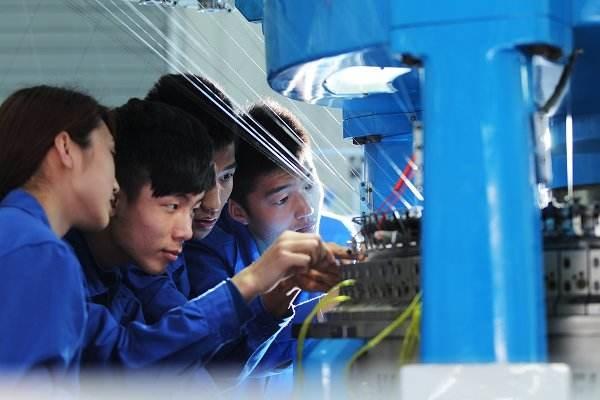 2017中国技工院校发展报告 毕业就业率达97.6%