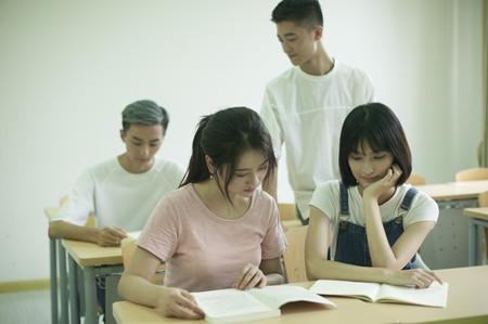 高考作文写作技巧:让语言洒满七彩阳光