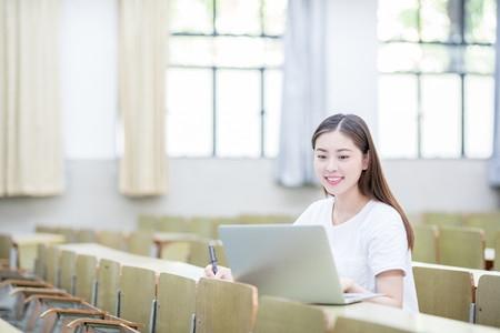 重庆2018年各类考生分数段表(普通类)