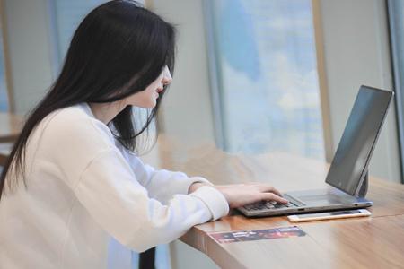 2019高考报考:计算机专业是否适合女生学习?