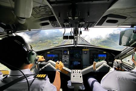10月高考熱點:空軍招飛、海軍招飛、民航招飛、高考報名