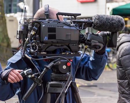 除了记者,读新闻与信息传播还可以选择什么职业?