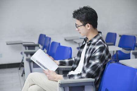 2019年上海市普通高校招生播音与主持艺术专业统考合格线确定