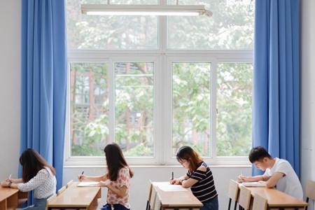 沪12所高校继续试点招收插班生 5月6日起开始报名
